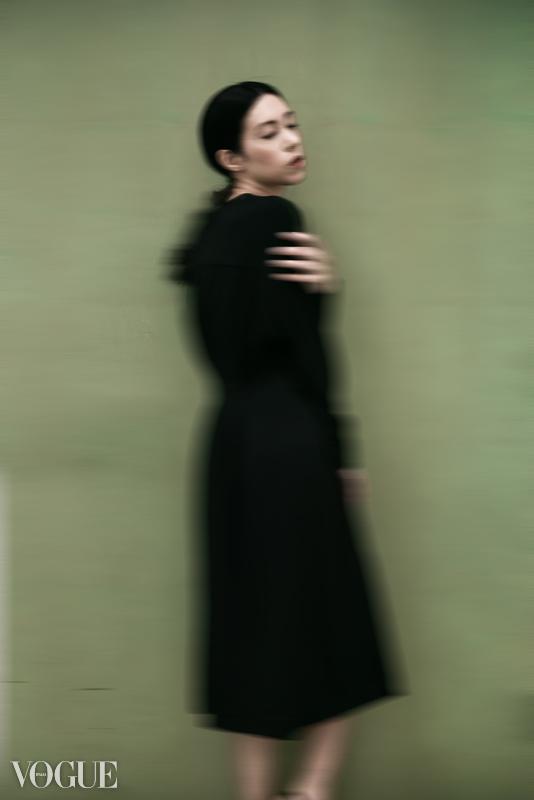 """Black on Green"". ( 21 May 2018). ""Portfolio Xingni Kilby,"" Vogue Italia, PhotoVogue."