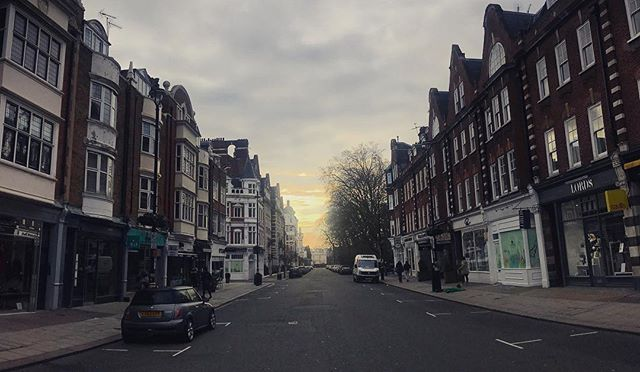 The High Street #StJohnsWood #London #UK #citystreets #iphoneography #iphone7plus #shotoniphone