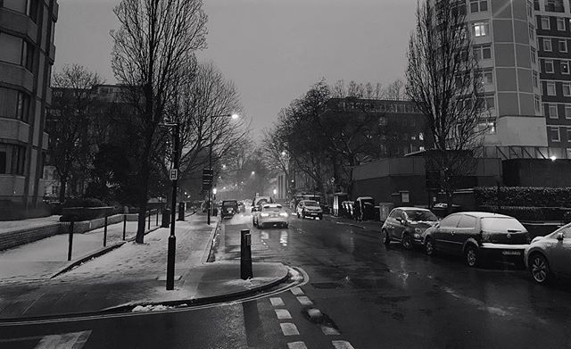 The last bit of winter #London #StJohnsWood #photography #bandw #iphoneography #iphone7plus #shotoniphone