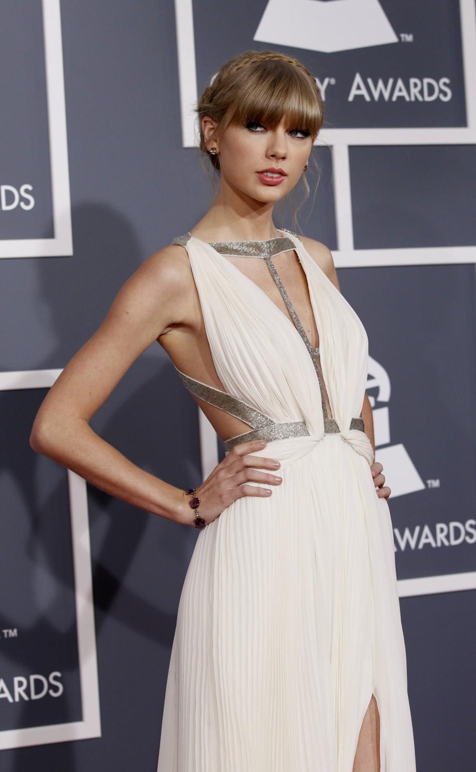 4662-taylor-swift-grammys-2013.jpg
