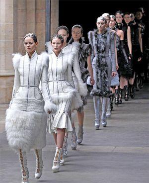 fashion1_573358t-2.jpg
