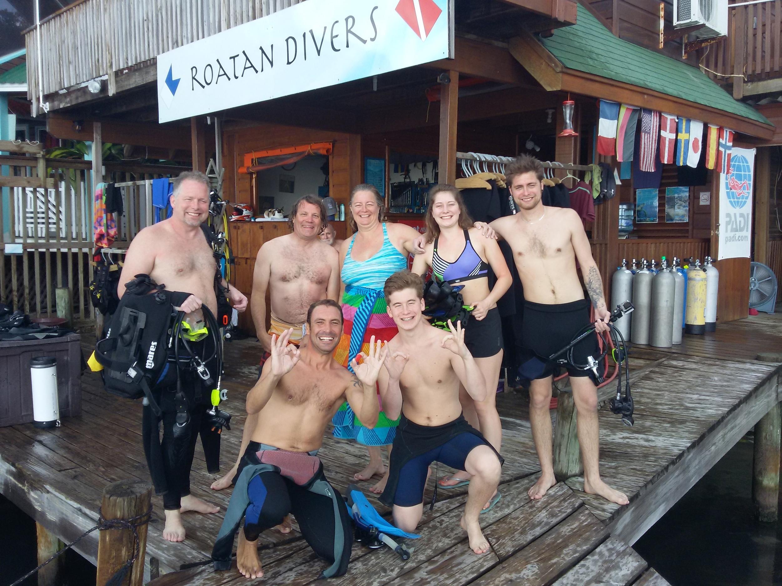 Roatan Divers Lyle Discover Scuba Diving