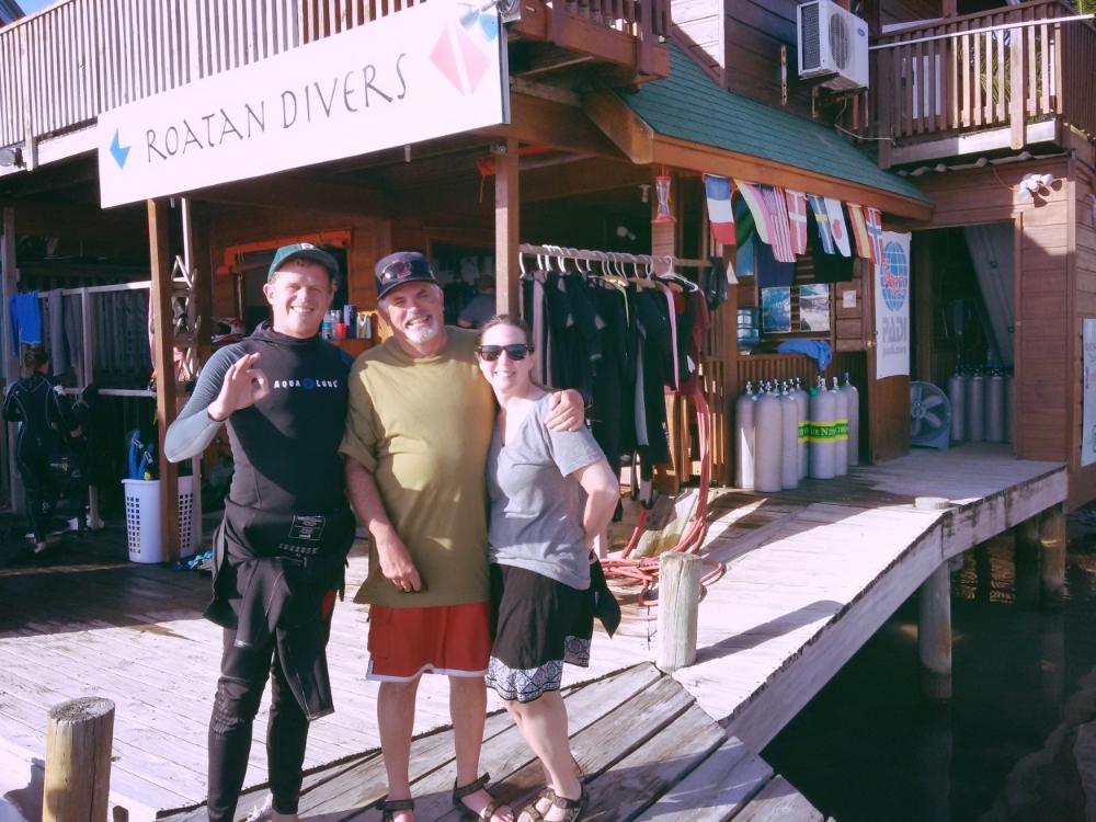 Roatan Divers Tim Lori PADI Open Water