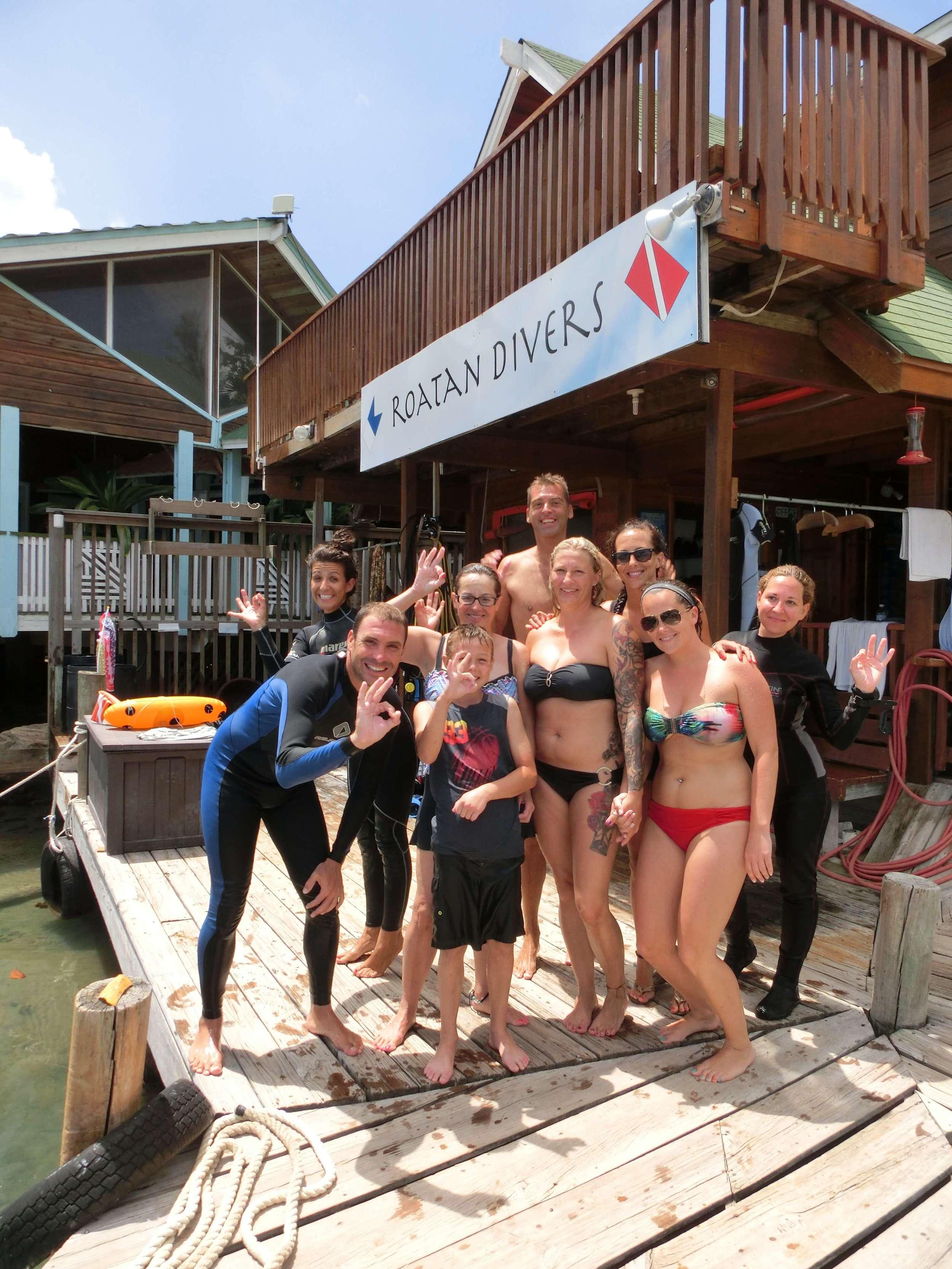 PADI Discover Scuba Diving Roatan Divers