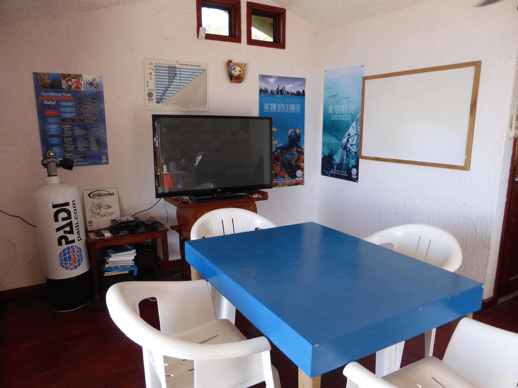 Roatan Divers classroom PADI courses