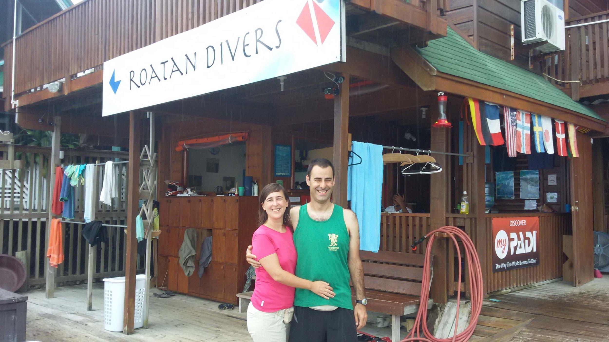 PADI Advanced Open Water Roatan Divers