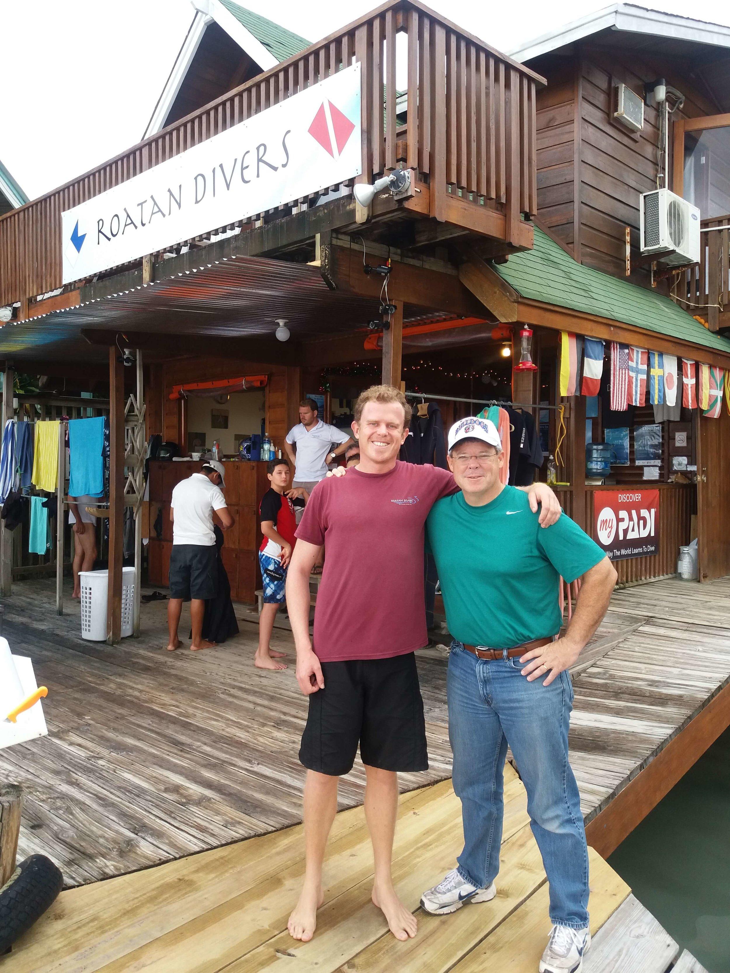 PADI Advanced Open Water Diver course Roatan Divers