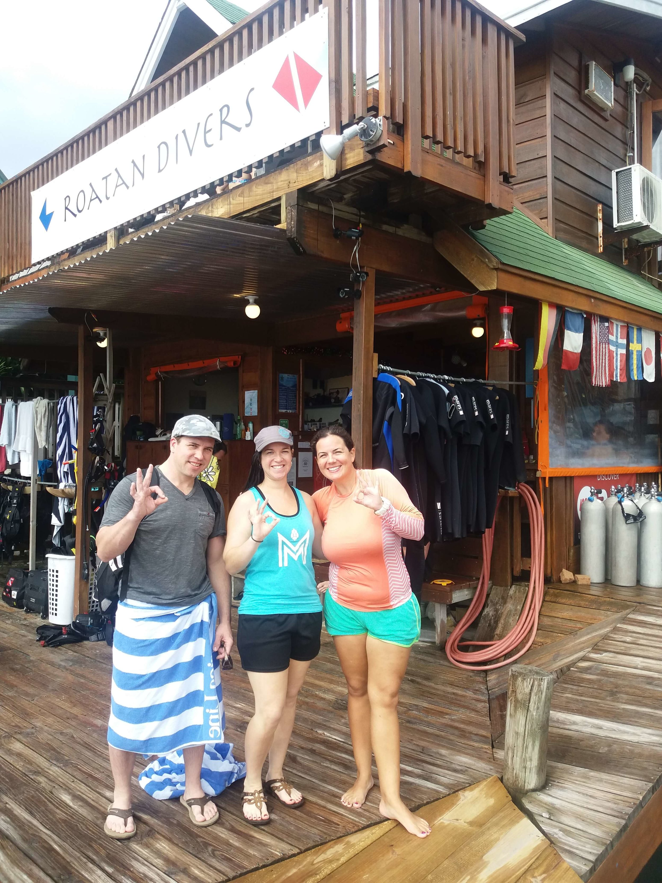 try scuba diving cruise ship Roatan