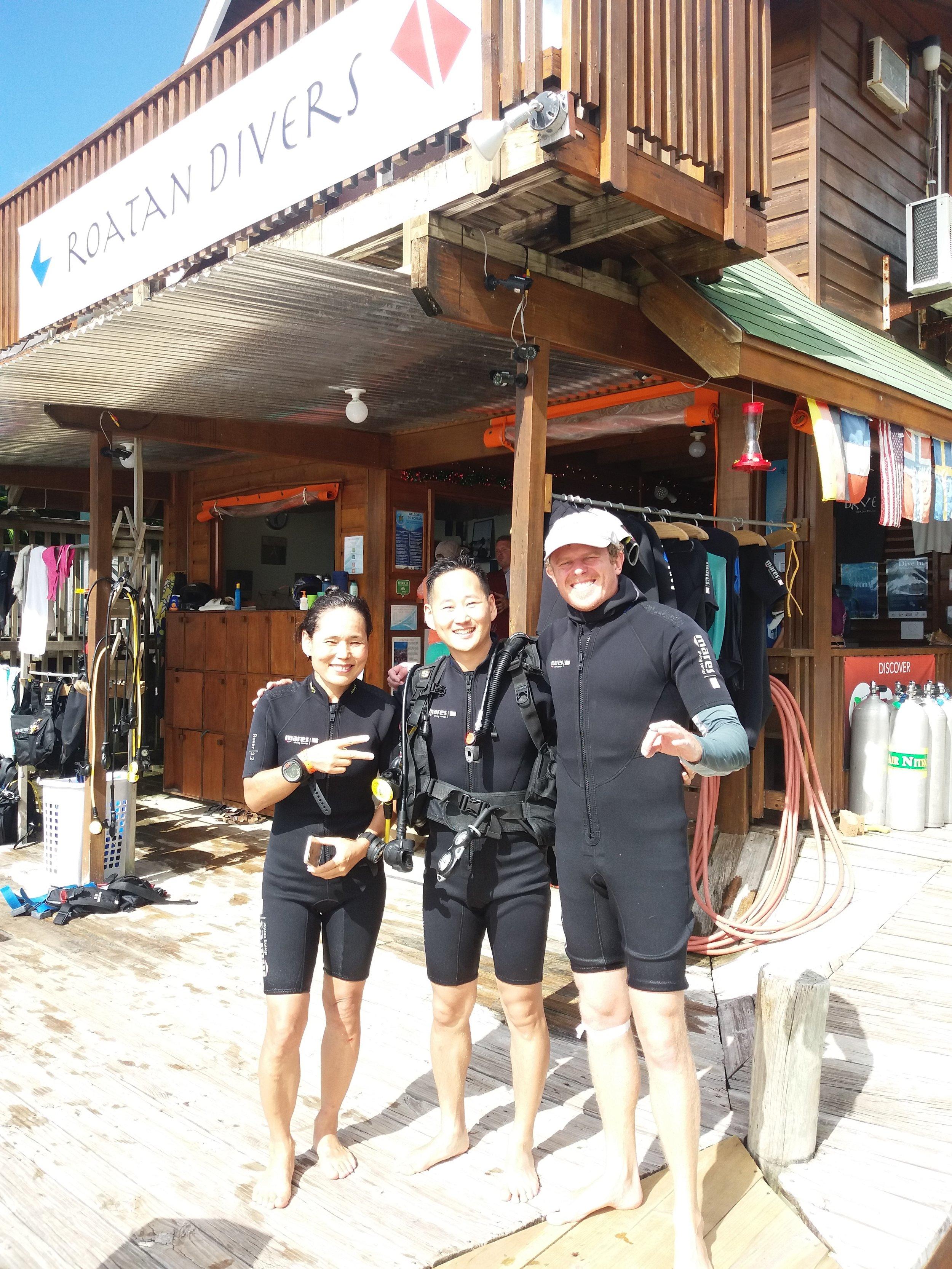 get scuba certified PADI Roatan Divers