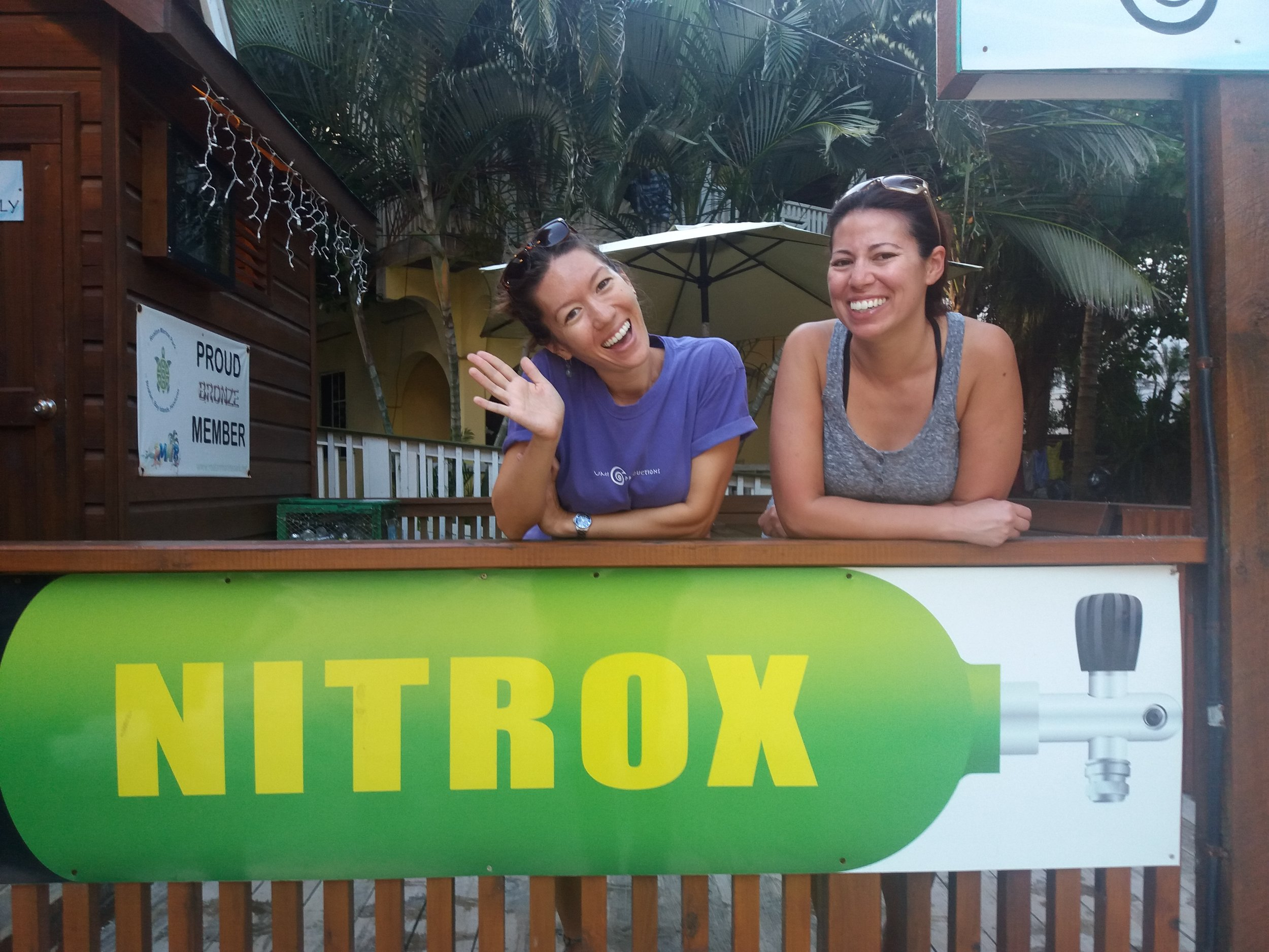 Nitrox scuba diving Roatan Divers