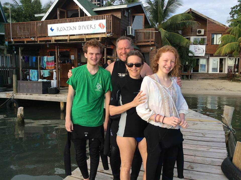 PPB Scuba Diving Roatan Divers