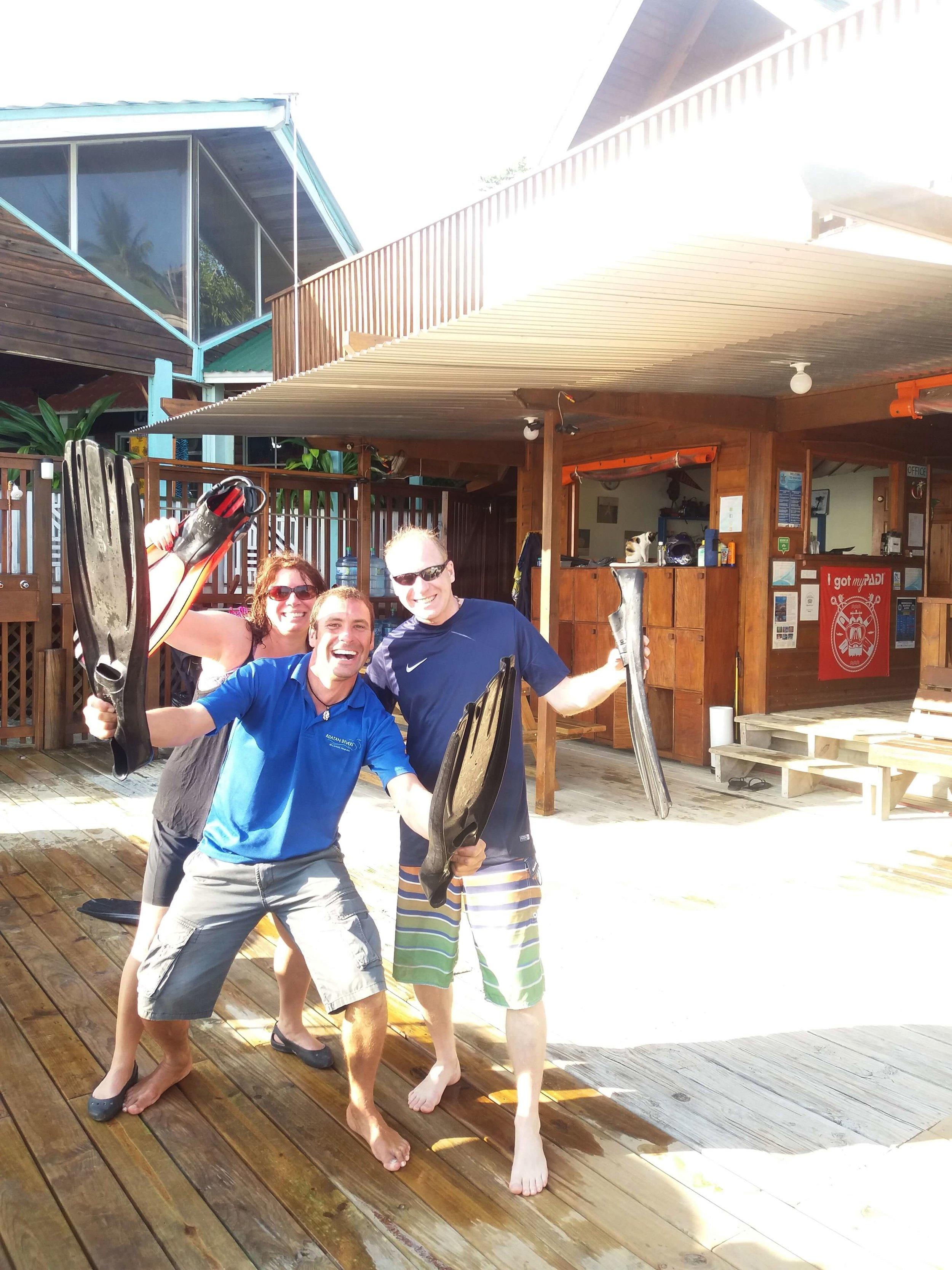 try scuba diving cruise ship Roatan
