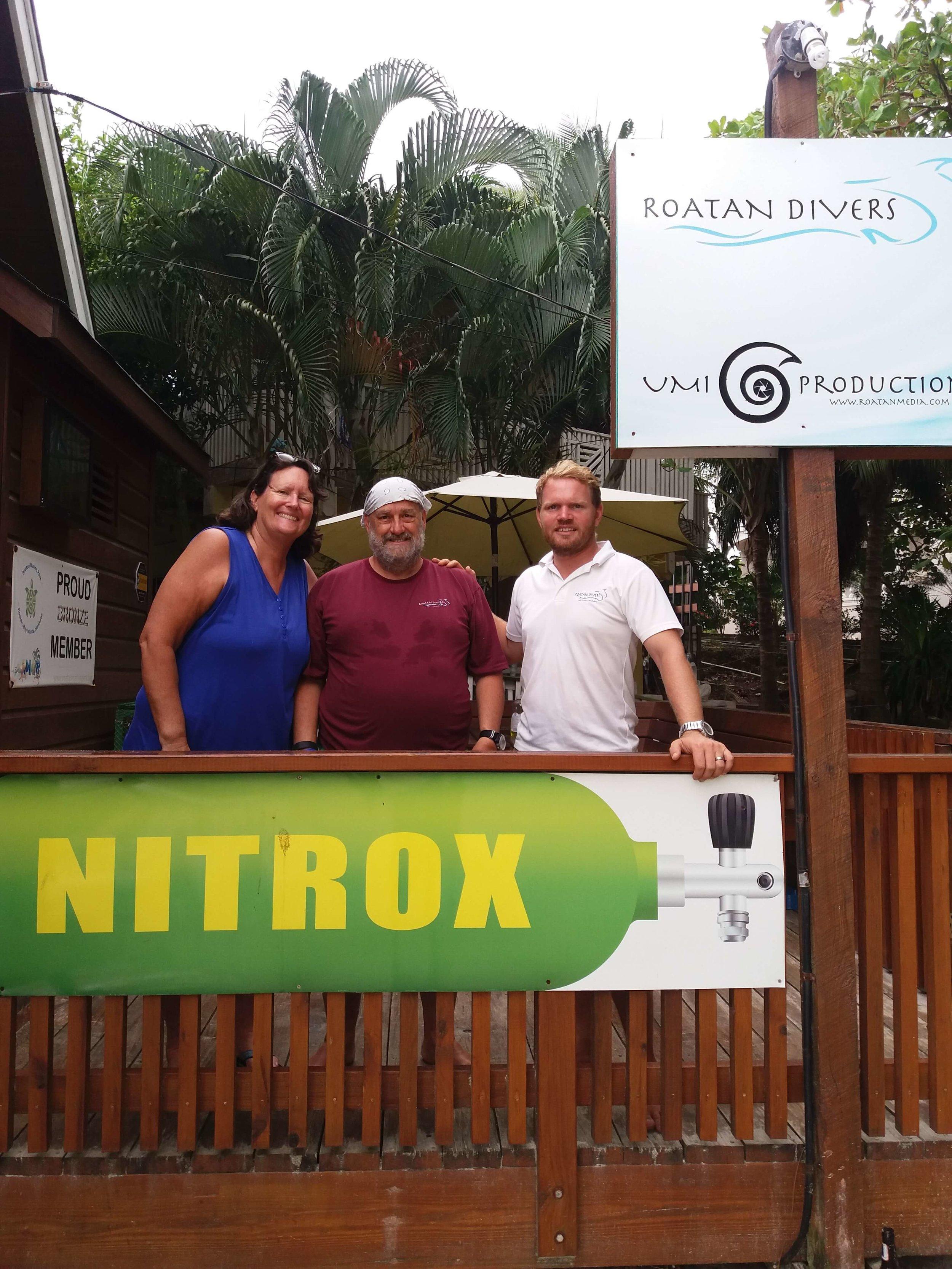 dive Roatan wrecks on Nitrox