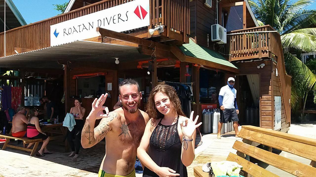 PADI Advanced course Roatan Divers