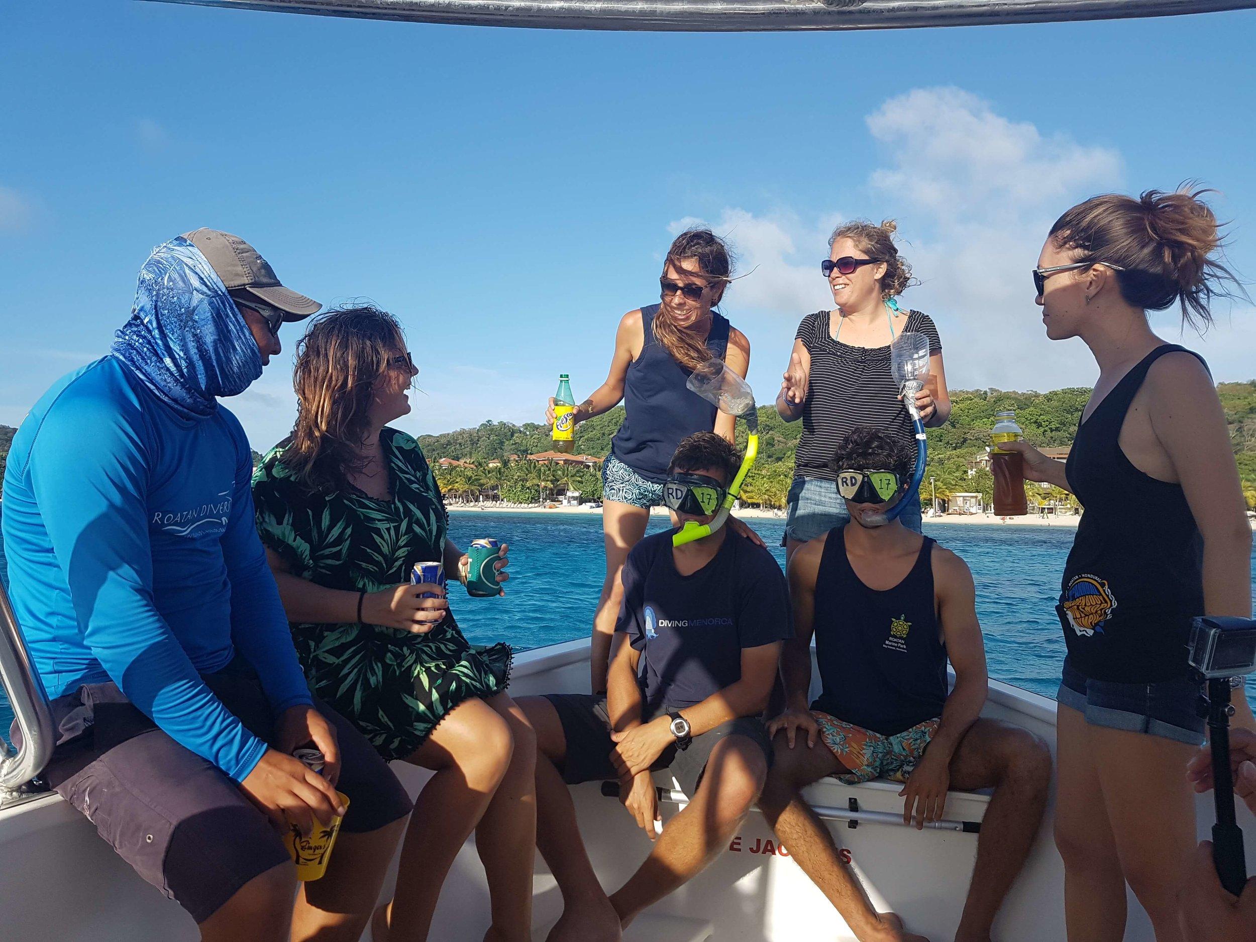 PADI Divemaster training Roatan Divers