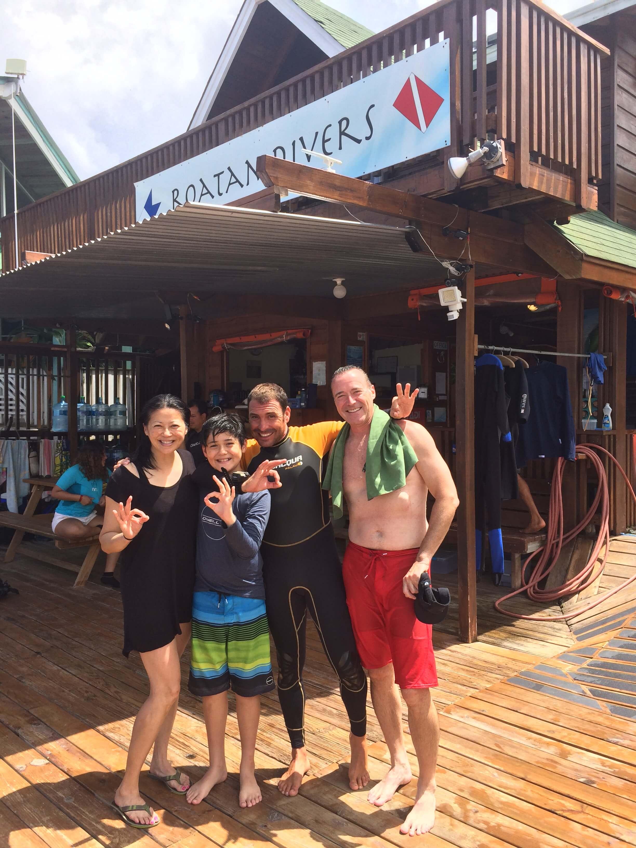 roatan padi open water diver course