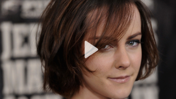 Episode 23   Jena Malone  Talks The Hunger Games, Her Music, and Witchy Love Spells