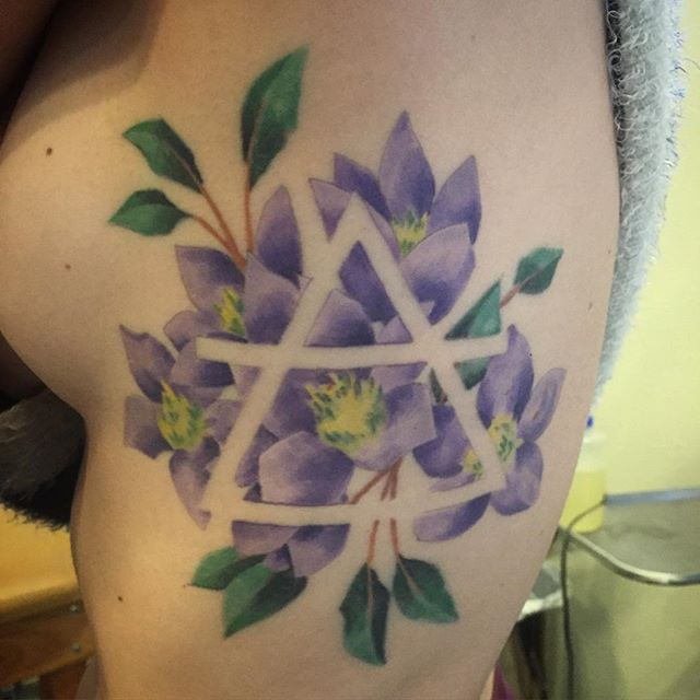 Snapped a healed pic of this floral rib job. #floralribjob #tattoo #ribtattoo #artcore