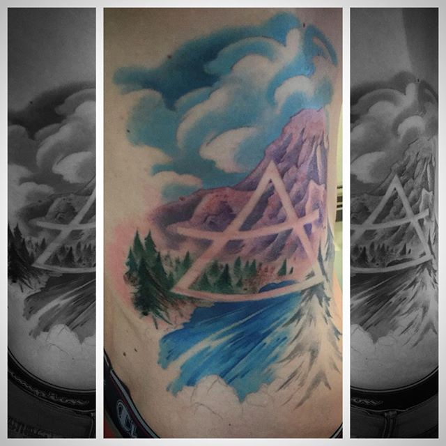 And chipped away on this one! #tattoo #artcore #downbytheriver #wip