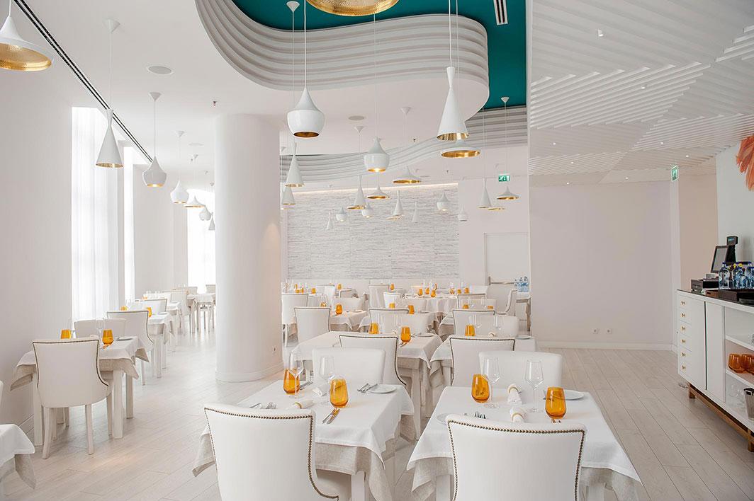 Barbatana restaurant brand interior design