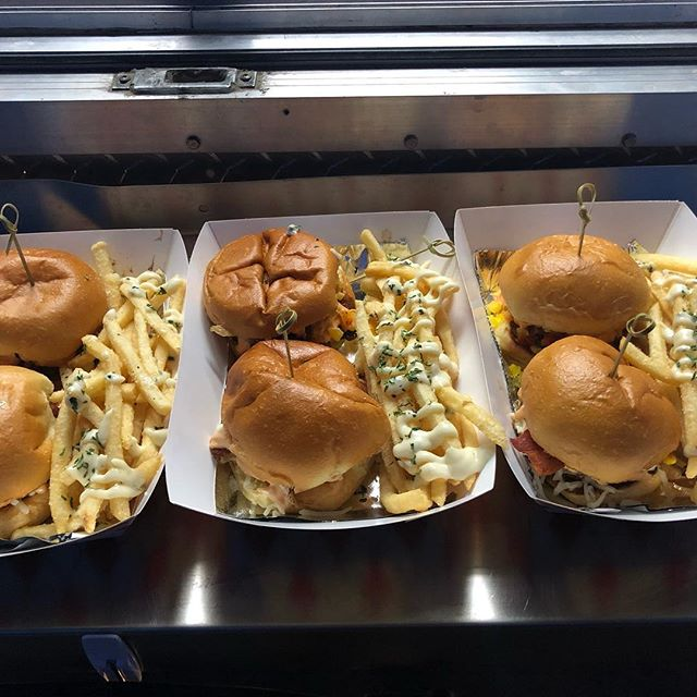 Open at @eastsidedentontx until LATE Saturday night!! Come out and support local! #dentontx #foodtruck #saturdaynight #saturdayfood #foodoptions #sliders