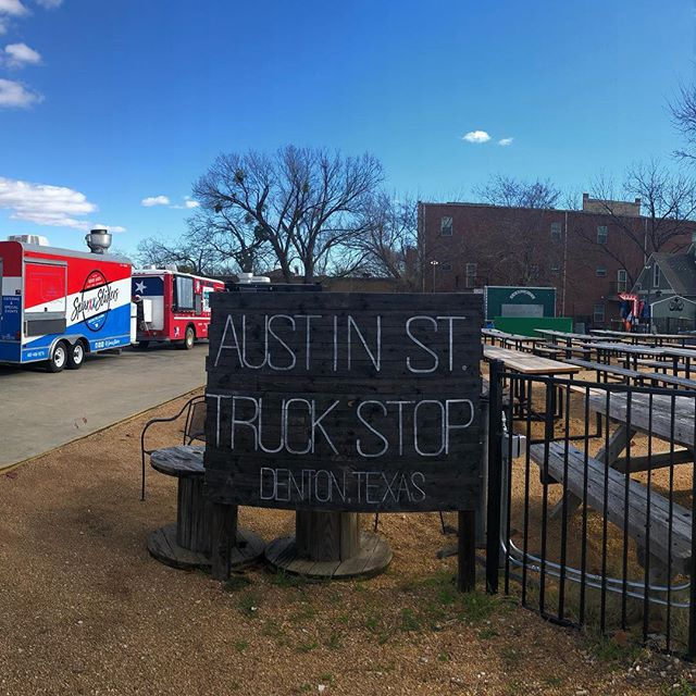 Open at @eastsidedentontx until Late! Come get some 🍔 and 🍻 see you soon! @discoverdenton @foodiesindenton @whenindenton @dentontraveler @dentoning @wedentondoit #foodtruck #community #servelocal #buylocal #wintersnothereyet