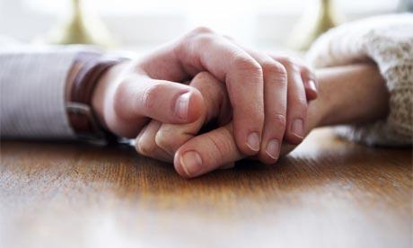 holdinghands460.jpg