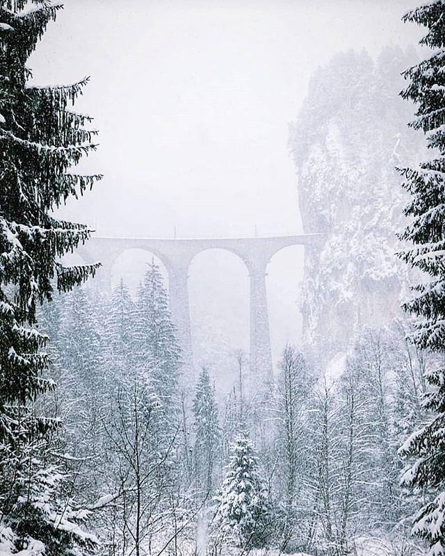 Time to leave this behind! #snowstorm #backtowork #swissinteriordesigner #londoninteriordesigner