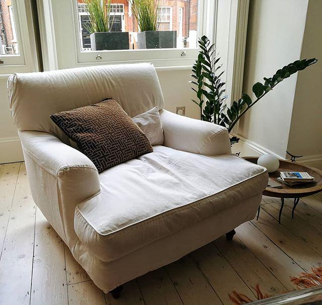 I love ❤️ my beautiful @creationsmetaphores @abbottandboyd velvet cushion! Thank you! . . . #project #studiofetscher#home #apartment #flat #interiordesign #fabric #velvet #armchair
