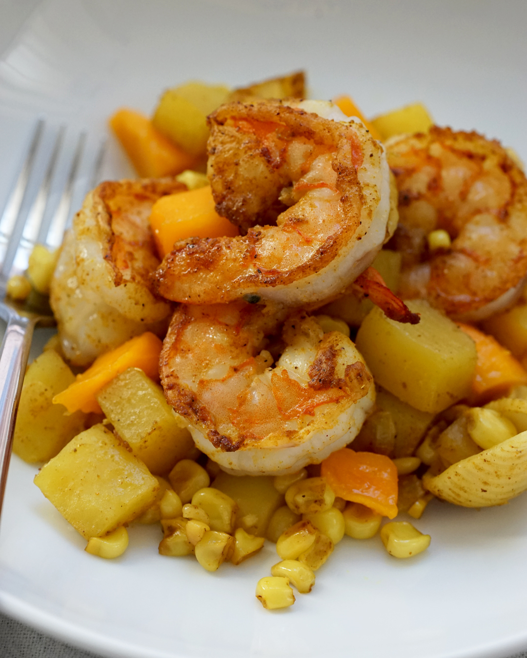 BrokeAndCooking_CurriedCornShrimpPasta_6630.jpg
