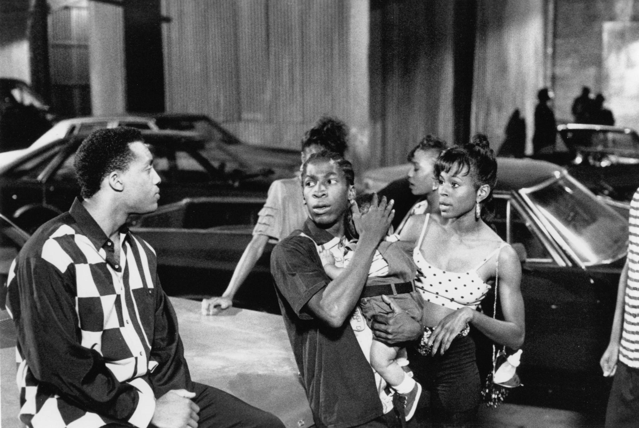 still-of-byron-minns,-glenn-plummer-and-larita-shelby-in-south-central-(1992)-large-picture.jpg