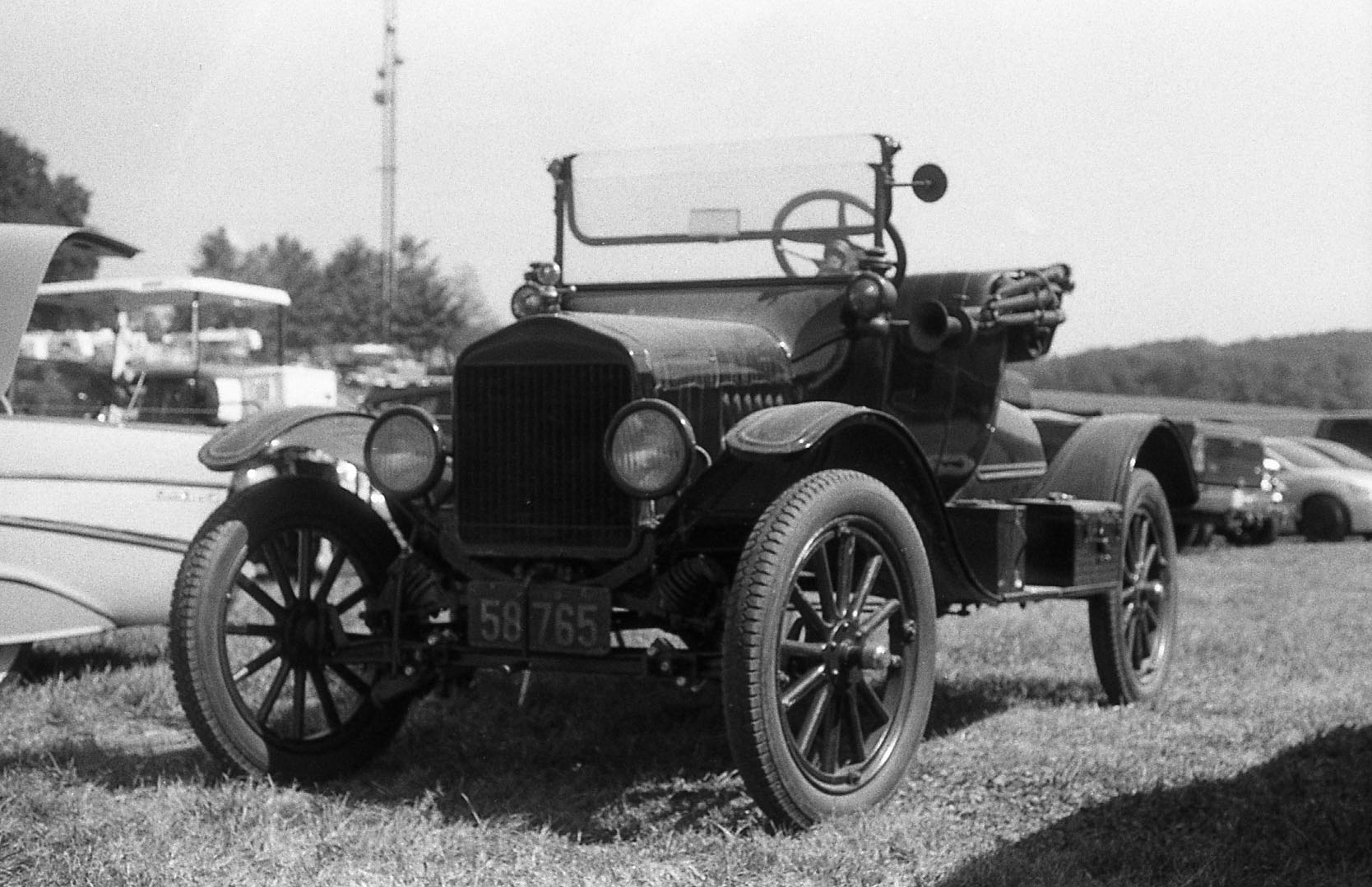 antique_car_1.jpg