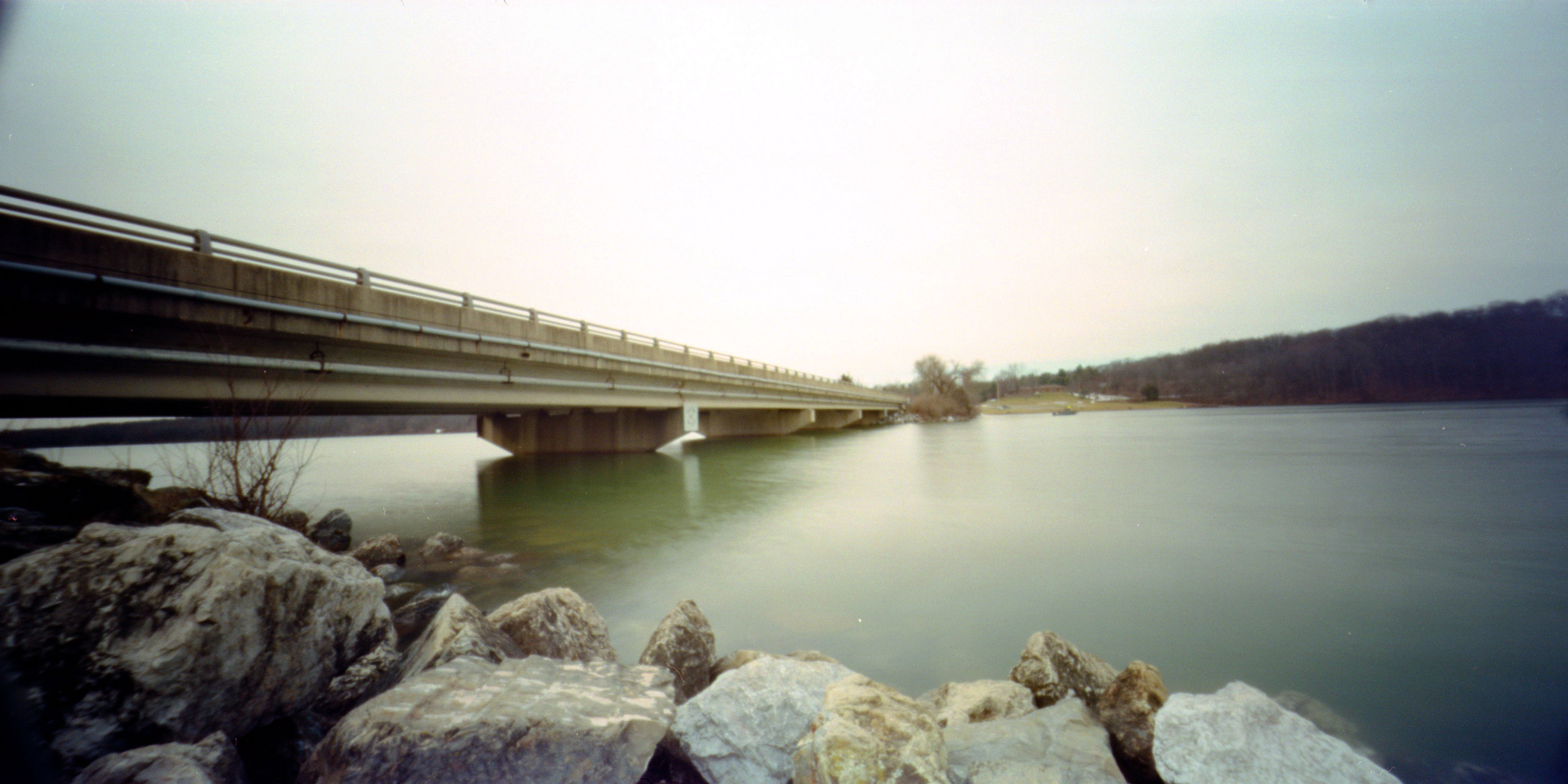 bridge_over_lake_marburg.jpg