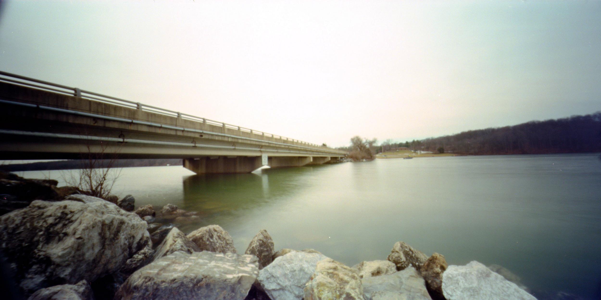 bridge_over_lake_marburg.jpg