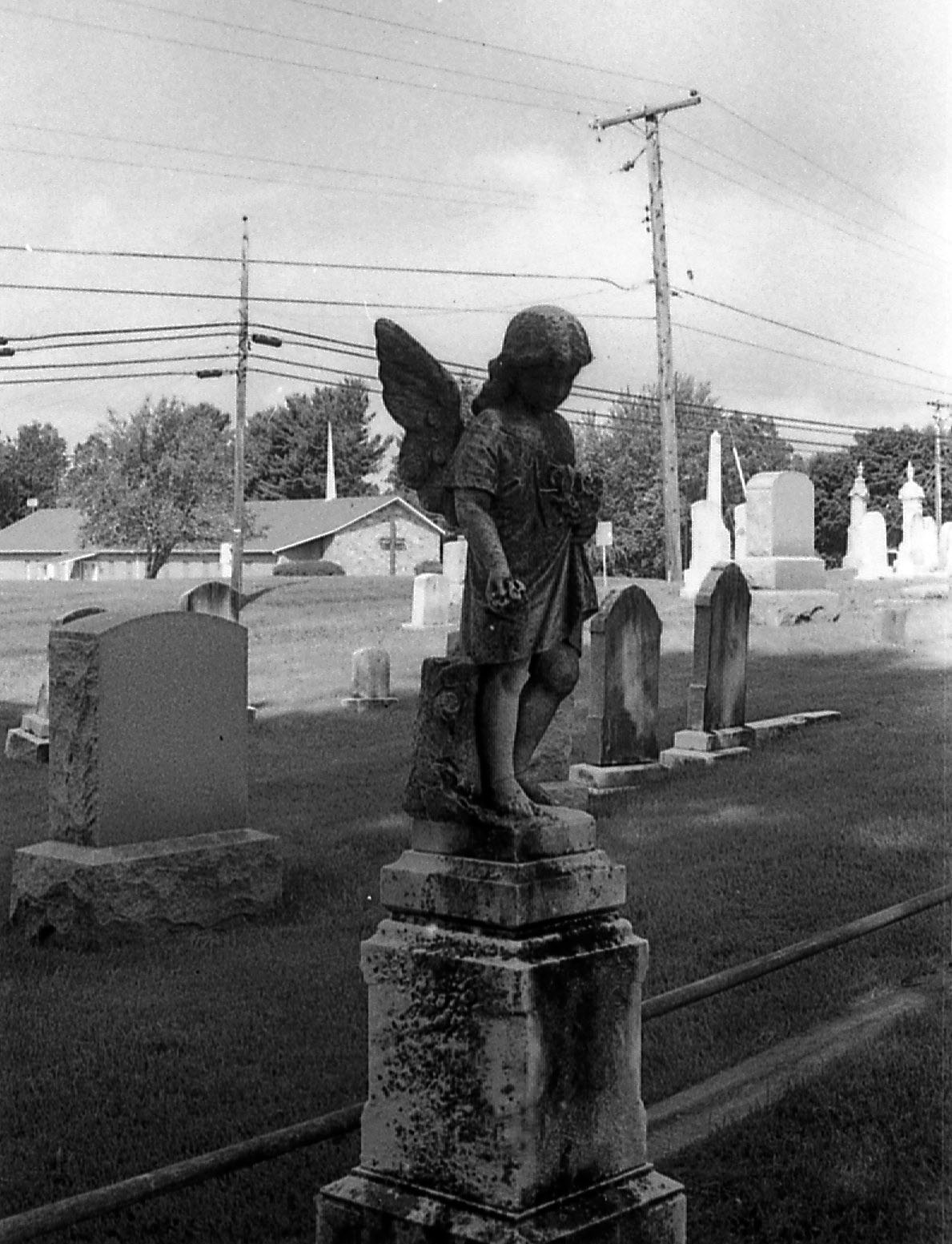 middletown_cemetery_small_angel.jpg