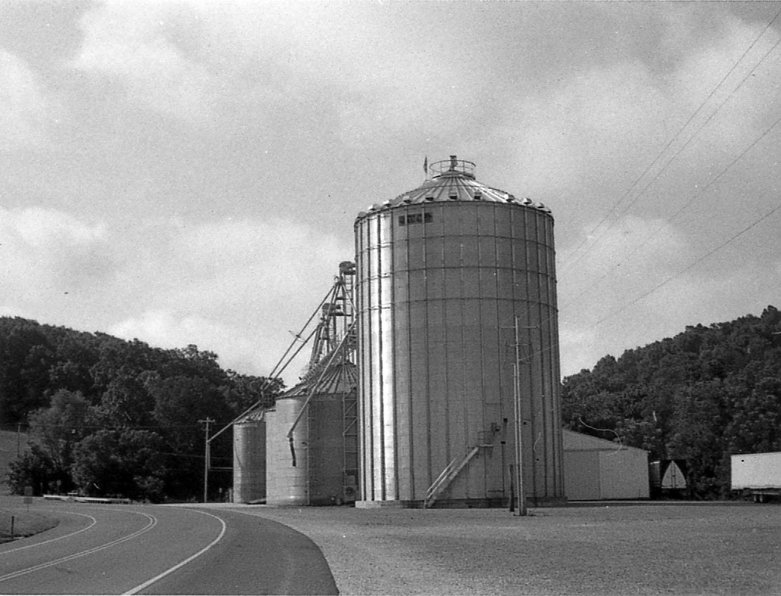 silos.jpg