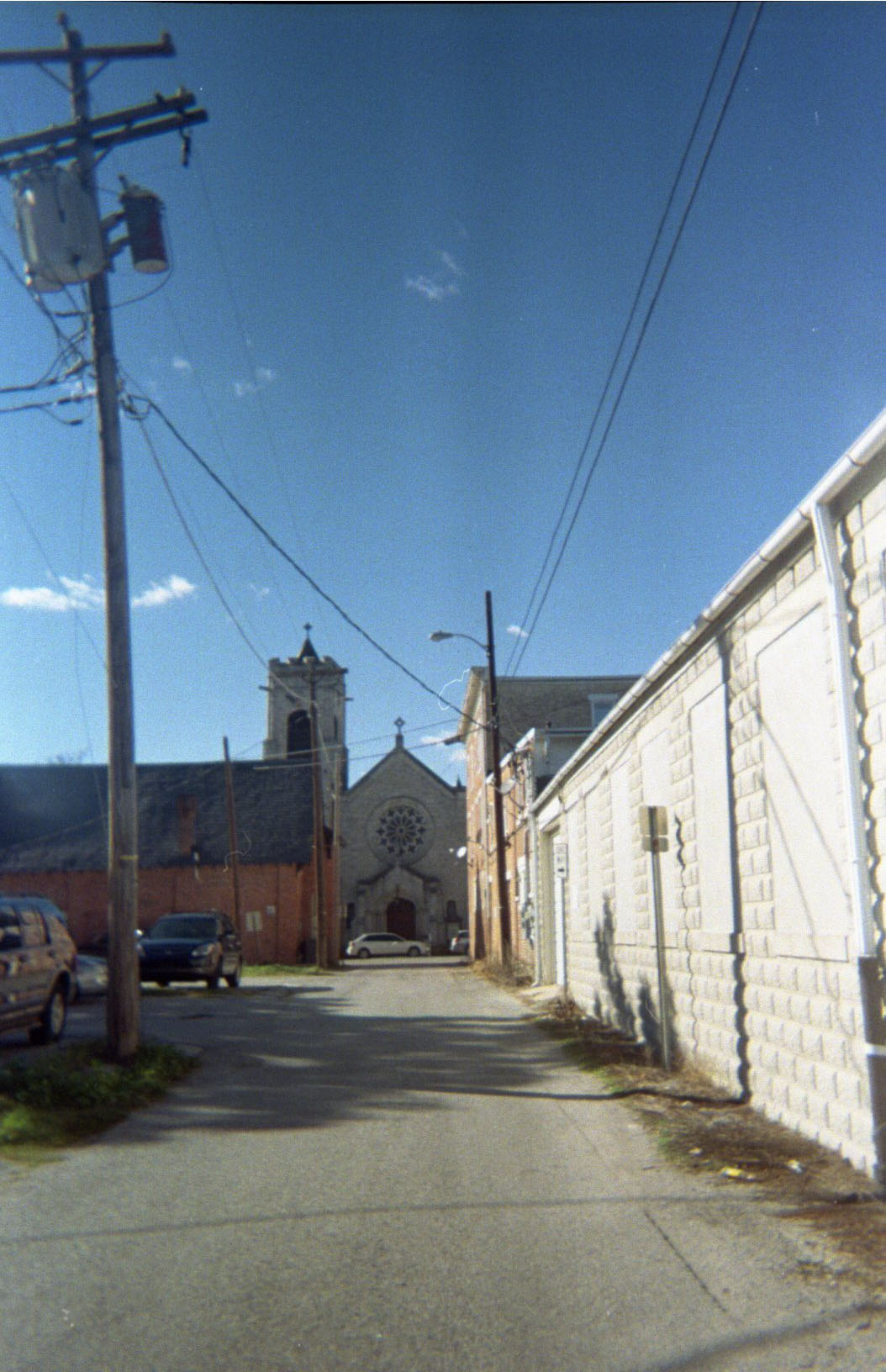 church_in_the_alley.jpg