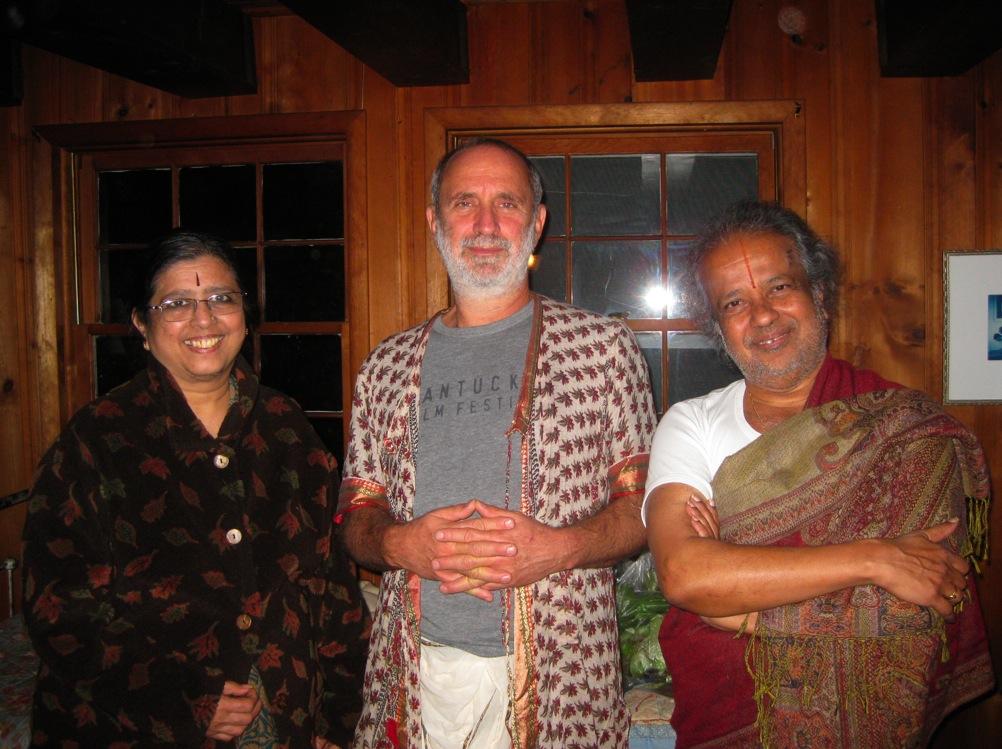 Shyamdas Jayashree Narasimhan Satsang Yoga.jpg