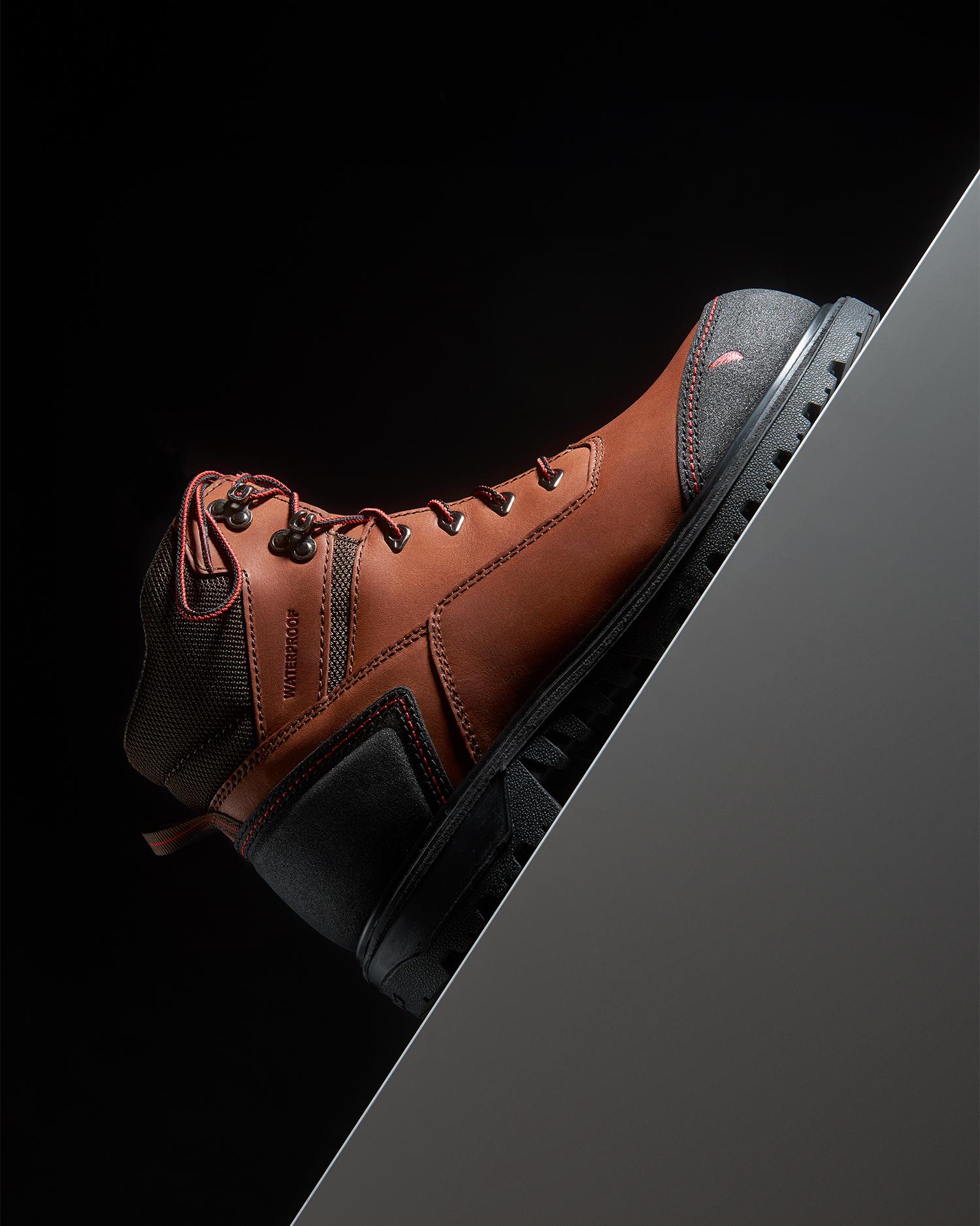 Boot 1 v1.jpg