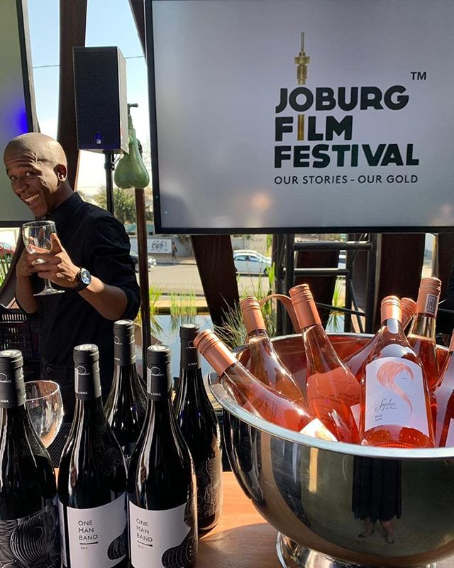 Sophie Rosé and @ionawines One Man Band @joburg_film_festival red carpet glamour #OurStoriesOurGold