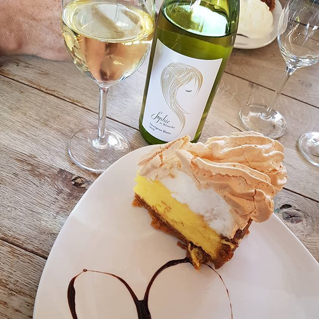 How delish is this!  #SophieSays  #Repost @monique_erasmus94(@repost_via_instant)Started off at @elginrailwaymarket  and ended off at @peregrinefarmstall  Amazing day,  windy and all