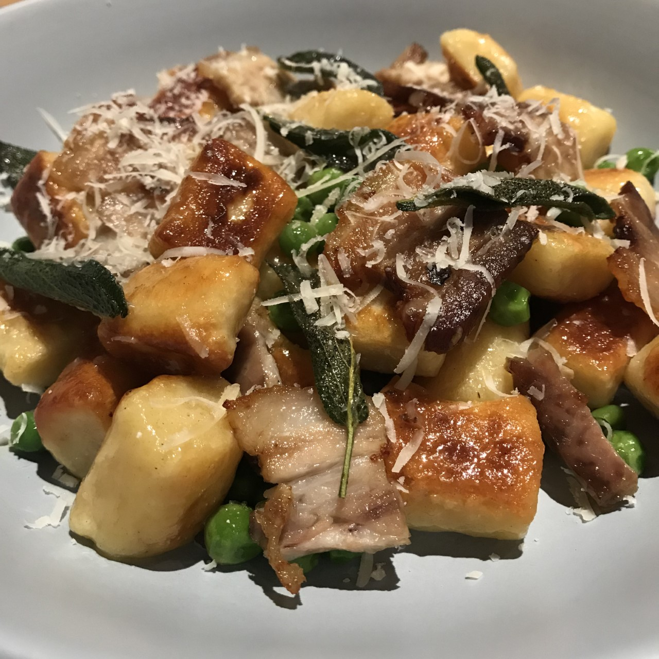 Gnocchi with peas and bacon