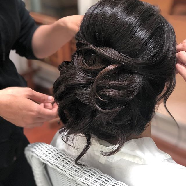 Congrats @jesschedid thank you for having us be a part of your day! You and your family and friends were so great, thank you for your kind hospitality! God bless you and your marriage! . . . . . . . . . . #bridalhairstylist #lowupdo #brunettebride #bridalhair #njbridalhair #njbridalhairstylist #njweddings #centraljerseyweddings #onlocationbridalhairstylist #theknot #weddingwire #njbride #bergencountyhairstylist #nyhairstylist #nybridalhairstylist #pabridalhairstylist #bridalglam #igettodothis #weddinghair #blessed #godisgood