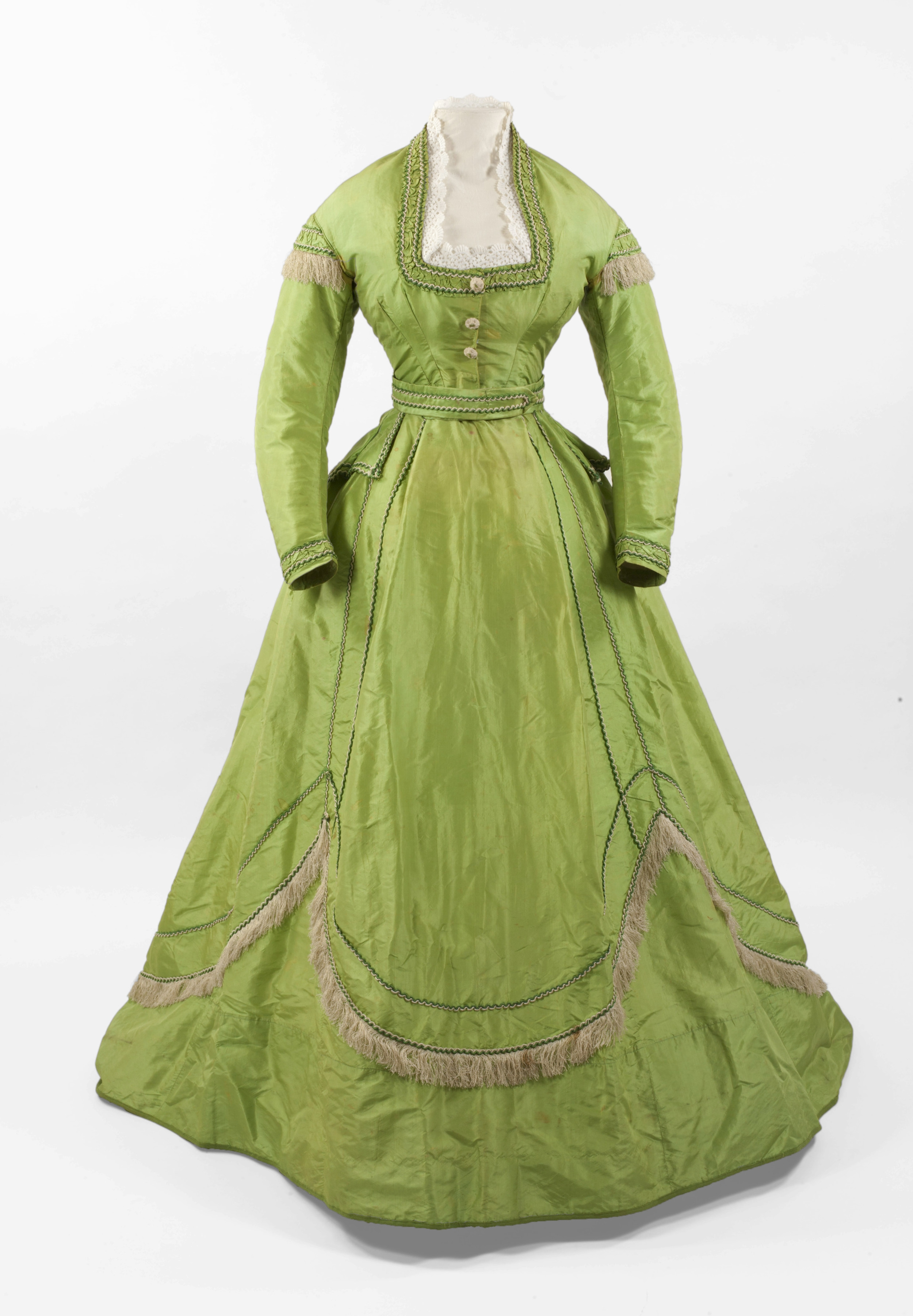 English or French, c. 1860s The Fashion Research Collection at Ryerson University. Gift from the Cleaver-Suddon Collection.Image © 2015 Bata Shoe Museum, Toronto, Canada