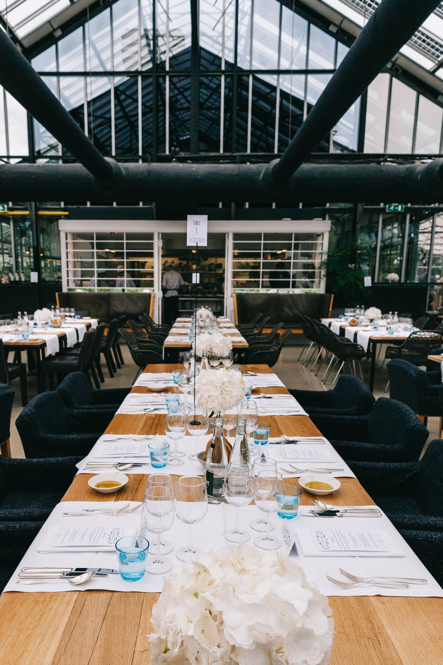 Urban-green-greenhouse-wedding-Ilina-and-james-restaurant-De-Kas-Amsterdam-by-On-a-hazy-morning-94.jpg