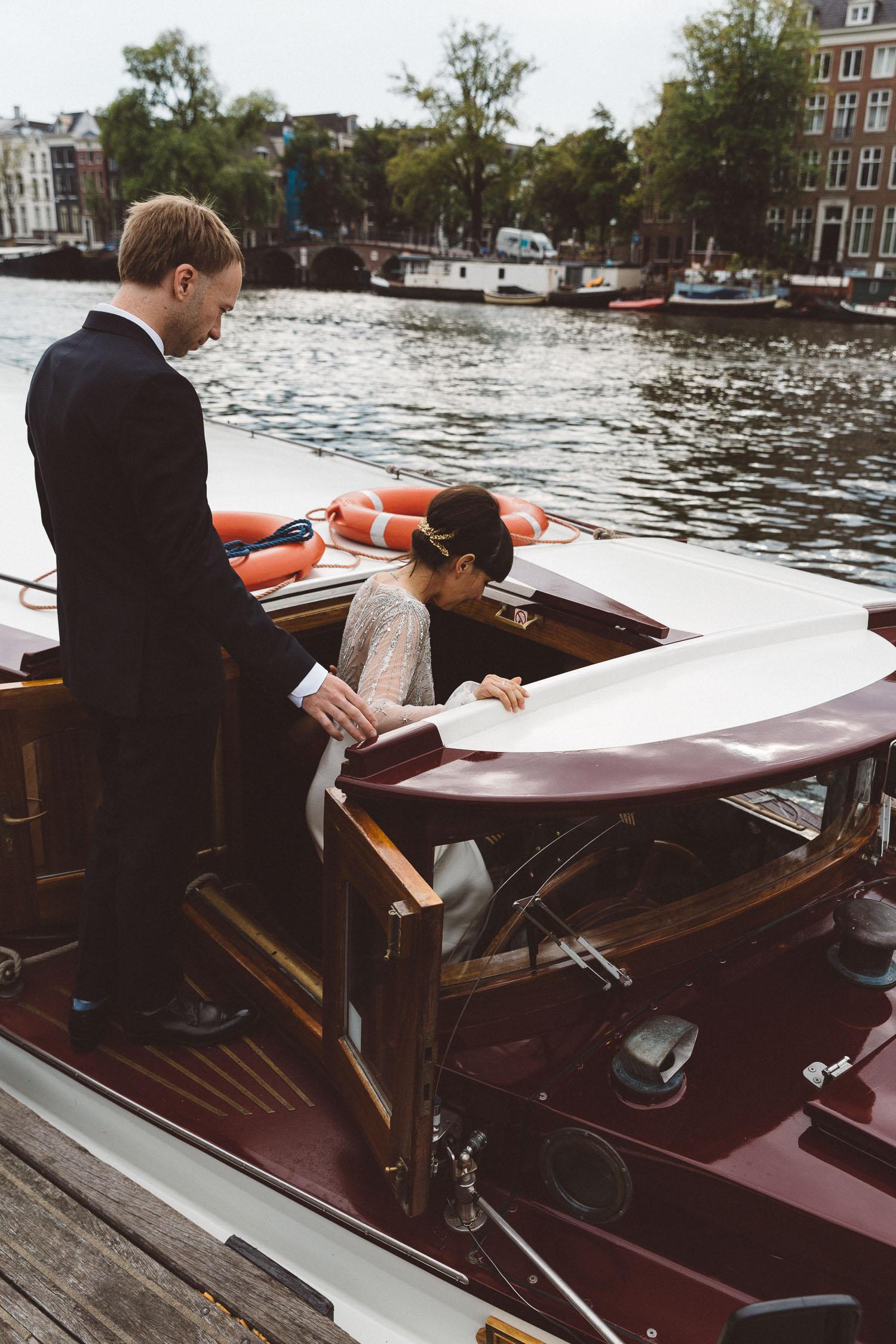 Wedding-James-and-Tiffany-photography-On-a-hazy-morning-Amsterdam-228.jpg