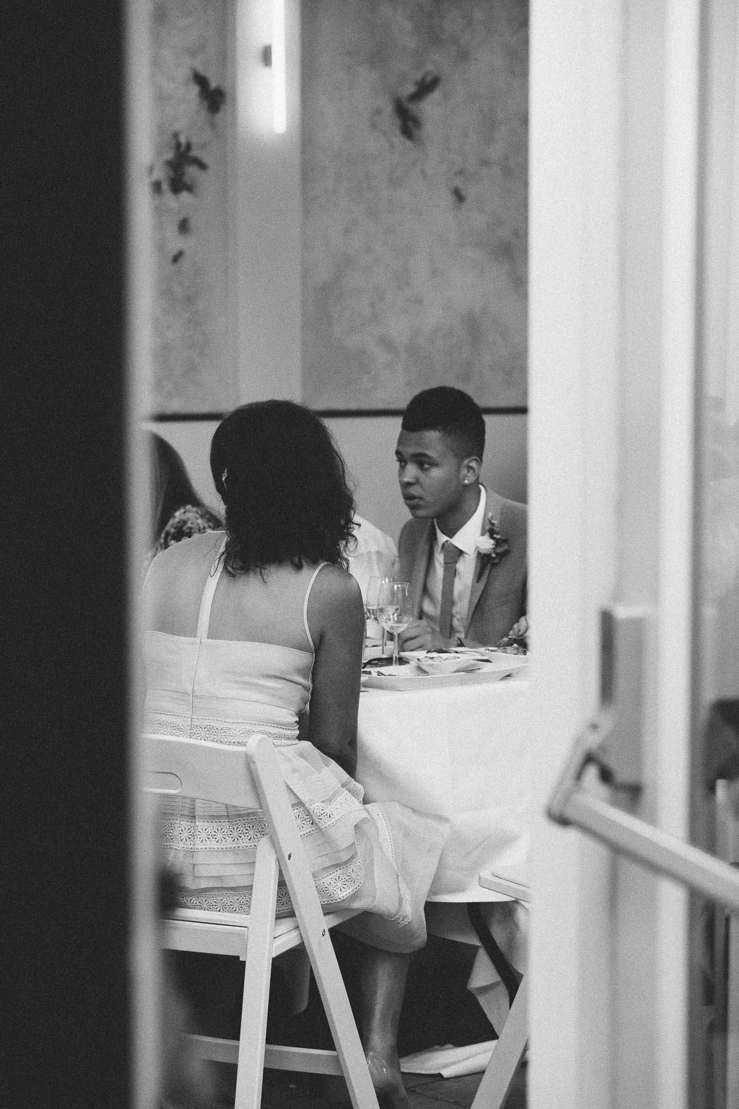 Wedding-photography-trouwfotografie-huwelijksfotograaf-Hortus-Botanicus-Amsterdam-On-a-hazy-morning-35.jpg