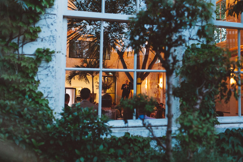 Wedding-photography-trouwfotografie-huwelijksfotograaf-Hortus-Botanicus-Amsterdam-On-a-hazy-morning-39.jpg