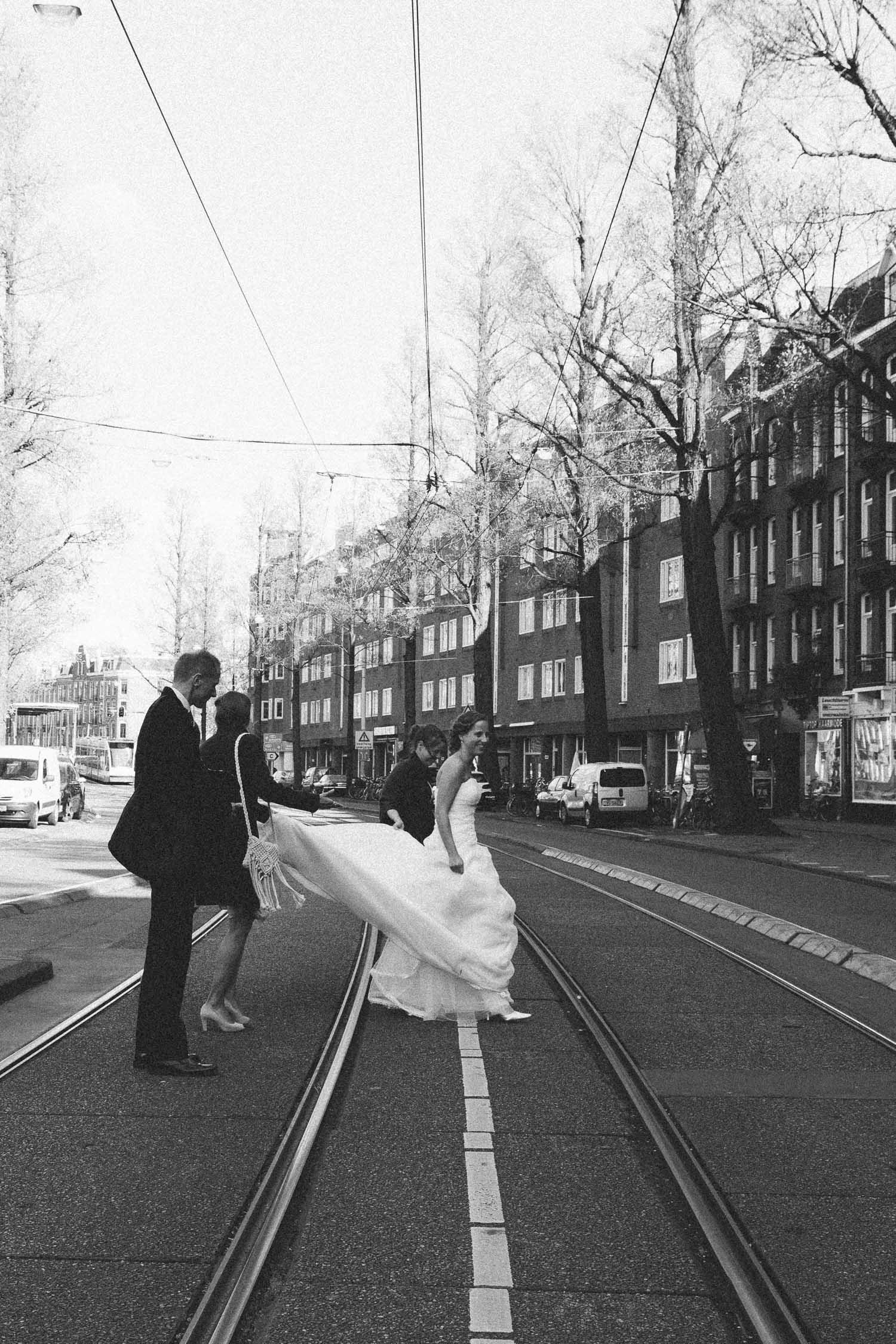 Wedding-huwelijk-trouwen-bruiloft-photography-fotografie-fotograaf-photographer-Rijksmuseum-College-Hotel-On-a-hazy-morning-Amsterdam-The-Netherlands-67.jpg