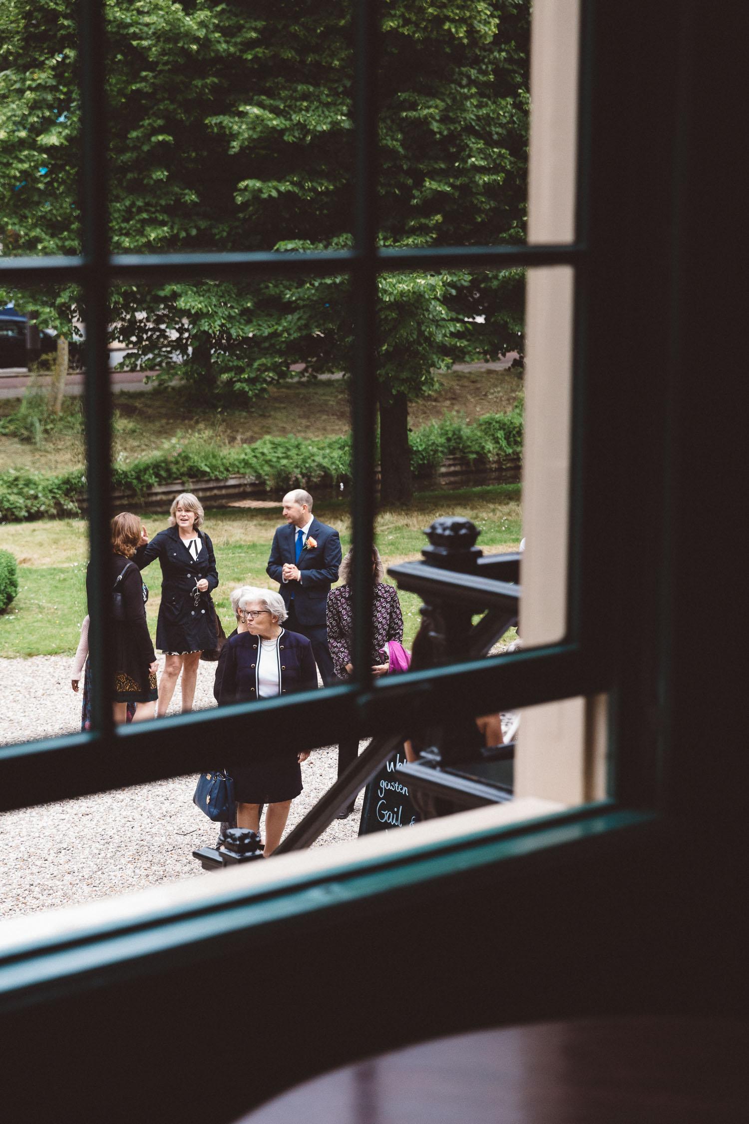 Wedding-huwelijk-trouwen-bruiloft-photography-fotografie-fotograaf-photographer-Huize-Frankendael-On-a-hazy-morning-Amsterdam-The-Netherlands-22.jpg
